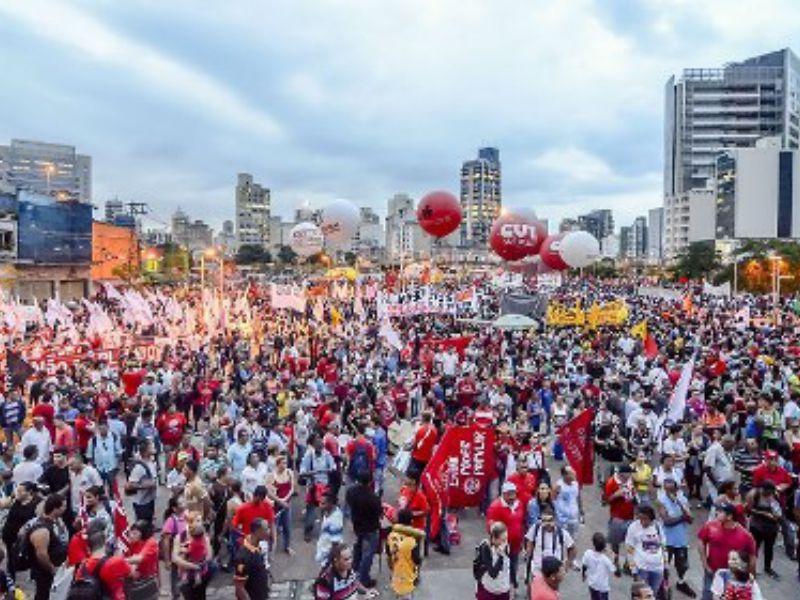 Dirigentes sindicais preparam mobilização maior contra PL 4330